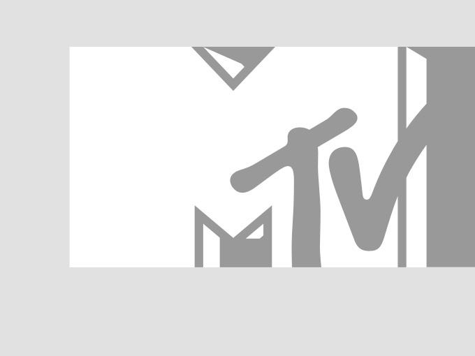 Miranda Lambert and Jack Ingram present the group/duo video of the year award at the 2006 CMT Music Awards.