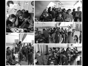 Rhamm Thrash se diverte com as crianças, e ganha sorriso na tarde de dança, veja as fotos..