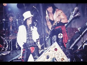 I'm on drums, Alice Cooper, and Kane Roberts