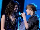 Selena Gomez and Justin Bieber perform during Dick Clark's New Year's Rockin' Eve on December 31, 2009 in Las Vegas